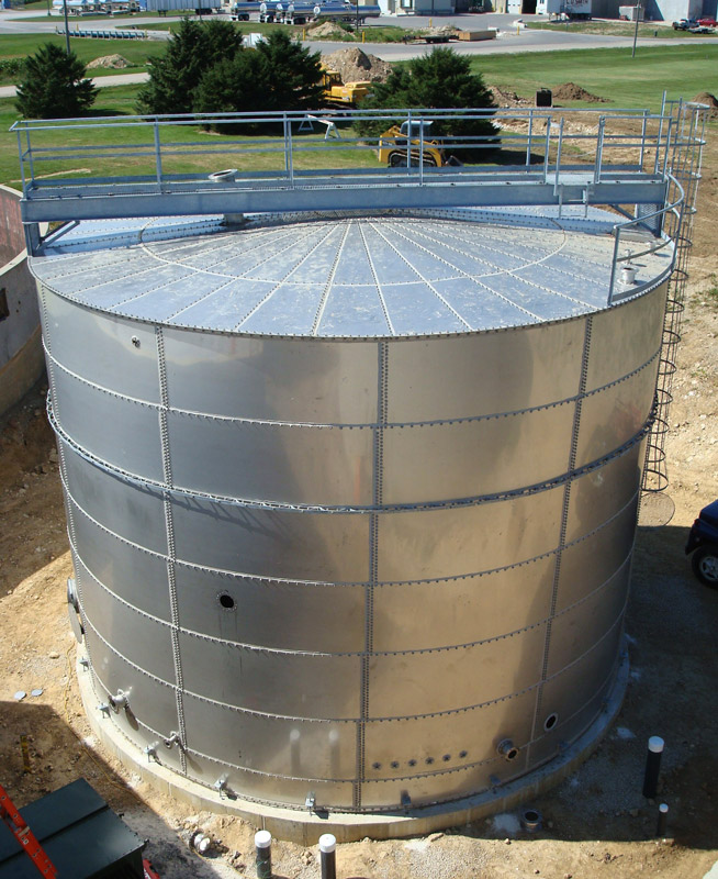 & Potable water storage tanks
